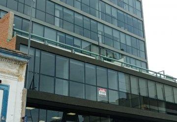 Alquiler de Oficina comercial  en La Rioja 532 con 1 ambientes por Dueño Directo - Imagen